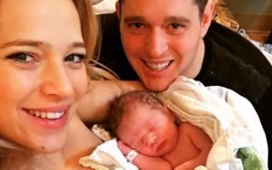Bebê de Cantor aparece na mídia