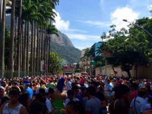 Xixi causa multas no Carnaval