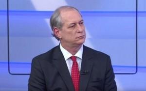 """Eduardo Cunha """"comprou 250 deputados"""", afirma Ciro Gomes"""