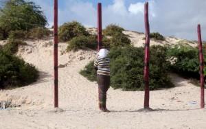 Imagem chocante: Somália executa em público ex-porta-voz do Al Shabaab