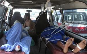 Colisão entre dois coletivos e um caminhão-tanque provocou incêndio neste domingo; crianças estão entre as vítimas