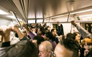 Funcionários do Metrô de SP suspendem greve marcada para esta terça-feira