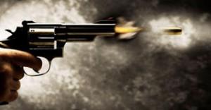 Atirador mata uma pessoa e é morto após troca de tiros em Houston