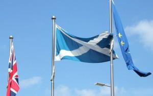 Escócia vai lutar para permanecer na UE e pode pedir independência, diz premiê
