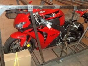 Receita faz leilão de celulares, motos e bicicletas; lance mínimo é de R$ 200