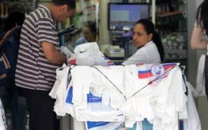 Supermercados deverão voltar a fornecer sacolas plásticas sem custos em SP
