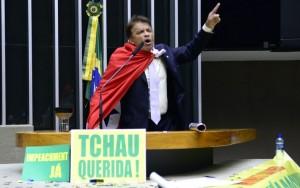 'Deputado do confete no impeachment' tem mandato cassado pela Justiça Eleitoral