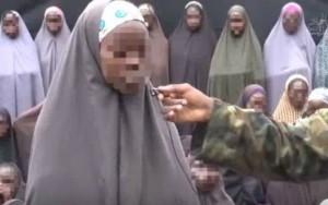 Boko Haram divulga vídeo com meninas sequestradas em 2014