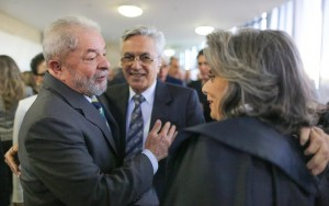 Lula e Marisa são denunciados pelo Ministério Público na Operação Lava Jato