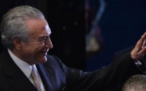 Temer é vaiado em seu primeiro evento público como presidente da República