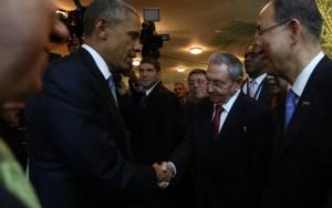 EUA amenizam restrições a Cuba e liberam comércio de charutos e rum