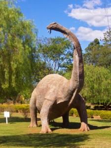 Cientistas anunciam descoberta do maior dinossauro brasileiro em São Paulo