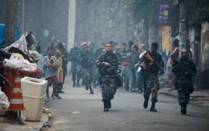 Polícia do Rio faz operações contra tráfico de drogas em áreas com UPPs