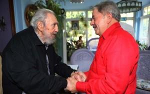 """""""É como perder um irmão"""", diz Lula sobre morte de Fidel; Dilma e Temer lamentam"""