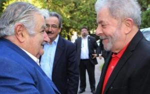 Lula e ex-presidente do Uruguai participam de ato contra governo Temer em SP