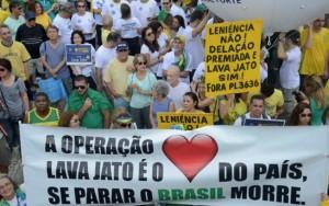 Protestos a favor da Lava Jato movem manifestantes em mais de 200 cidades