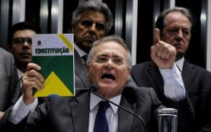 Senadores decidem não cumprir decisão que afastou Renan Calheiros