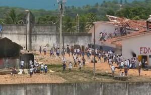 Presos entram em confronto no RN; Polícia Militar usa balas de borracha e bombas