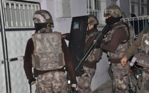 Turquia prende mais de 400 suspeitos de ligação com o Estado Islâmico