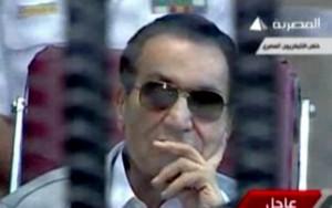 Após reverter prisão perpétua, Hosni Mubarak é libertado no Egito