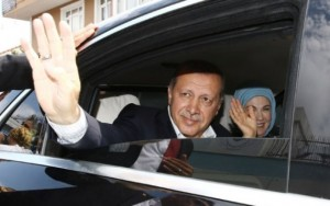 "Turquia adverte ""guerra religiosa"", mas volta a denunciar ""novo nazismo"""