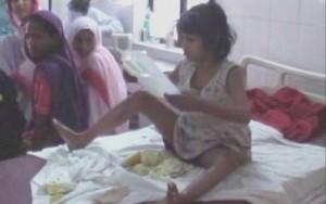 """Polícia indiana encontra """"menina Mogli"""" vivendo em meio aos macacos"""