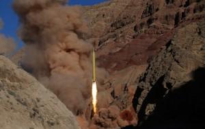 Irã inicia testes de míssel