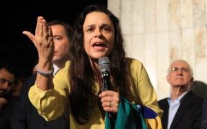 Advogada do impeachment nega ser menina pastora de vídeo do Youtube