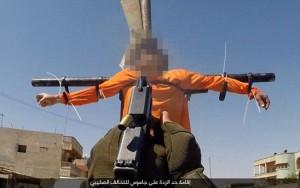 Estado Islâmico crucifica e executa dois prisioneiros na Síria