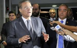 Comissão do impeachment será instalada no Senado na terça-feira, diz Renan