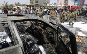 Duplo ataque com bomba no Iraque mata ao menos 32 pessoas e fere mais de 70