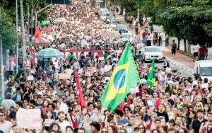 Manifestantes protestam contra governo Temer em São Paulo