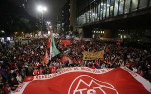 Movimentos pró-Dilma fazem ato na Paulista e prometem mobilizar País