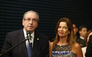 Dinheiro público foi convertido em sapatos para mulher de Cunha, diz procurador