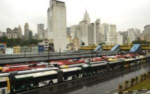 Motoristas de ônibus ameaçam paralisar nesta quarta-feira em São Paulo