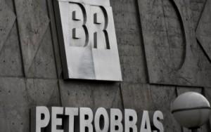Petrobras vai propor redução de jornada e de salários a empregados
