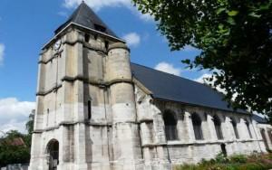 """Padre degolado na França pediu """"mundo mais humano"""" em último texto"""
