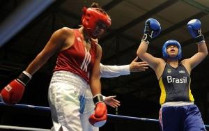 Andreia Bandeira estreia com vitória no boxe e fica a um passo da medalha