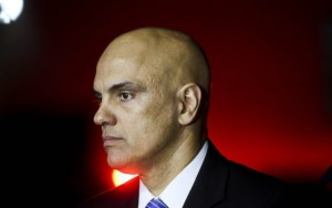 Decreto permitirá que policiais usem armas de bandidos, diz ministro da Justiça