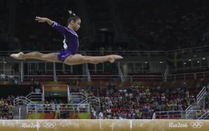 Flávia Saraiva fica em quinto na final da trave; Simone Biles leva o bronze