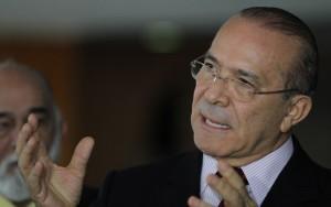 Governo quer encaminhar reformas antes de outubro, diz Padilha