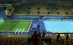 Após dias sem solução, Rio 2016 vai trocar água da piscina do Maria Lenk