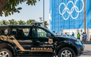 Policial da equipe de segurança dos Jogos Olímpicos é baleado no Rio