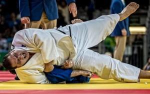 Rafael Silva vence uzbeque Abdullo Tangriev e leva o bronze no judô