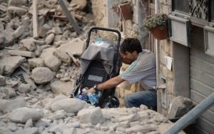 Chega a 284 o número de mortos após terremoto na Itália, dizem autoridades