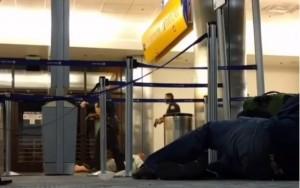 Suspeita de tiroteio e homem mascarado causam pânico em aeroporto de Los Angeles
