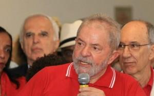 """Carta de """"concursado"""" em resposta ao ex-presidente Lula viraliza na internet"""