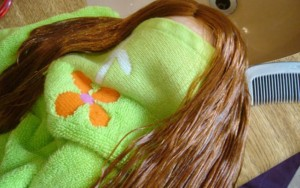 Síndrome de Rapunzel: americana tem bola de cabelo de 15 cm retirada do estômago