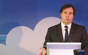 Delação de Cunha não vai atingir o presidente Temer, afirma Rodrigo Maia