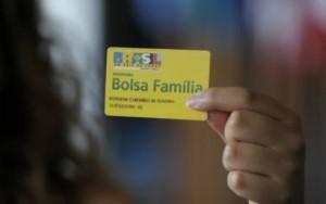 Governo suspende 1,1 milhão de benefícios do Bolsa Família por irregularidades